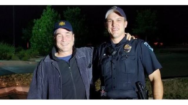 Thornton police officer pulls over Clint Black tour bus