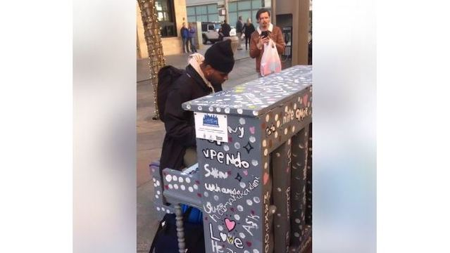 HEAR IT: Man plays Christmas classic on piano in downtown Denver
