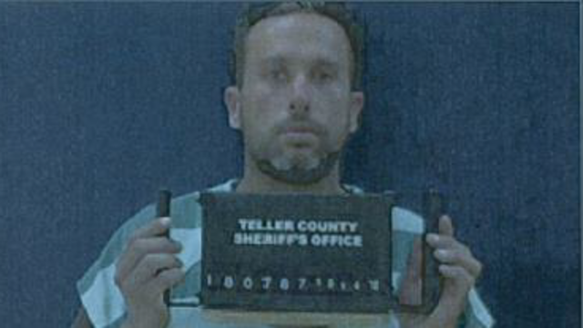 Teller County deputies arrest convicted felon who was carrying five guns