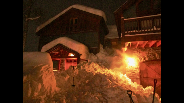 1 killed, 2 hurt by deep snow sliding from Crested Butte rooftops